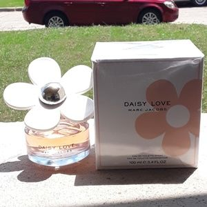 Brand New Marc Jacobs Daisy Love 3.4oz Never Open.